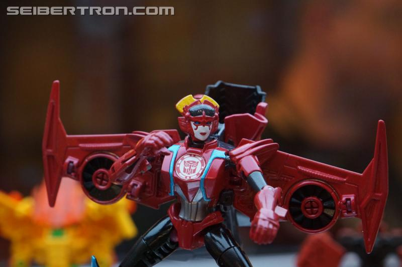 r_robots-in-disguise-028.jpg