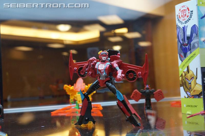 r_robots-in-disguise-031.jpg