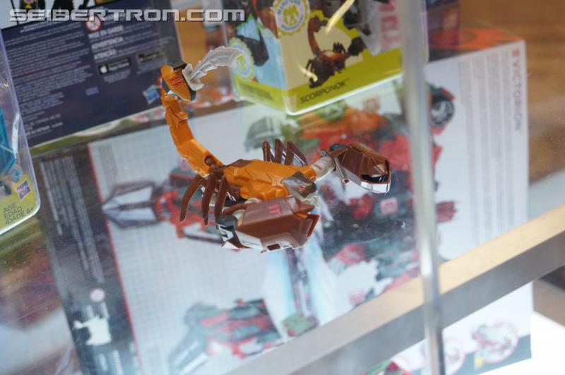 r_robots-in-disguise-086.jpg