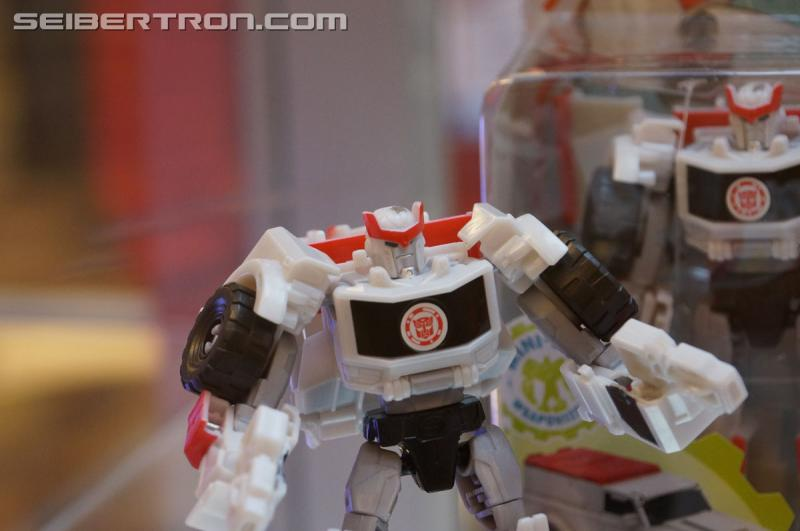 r_robots-in-disguise-046.jpg