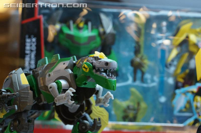 r_robots-in-disguise-033.jpg