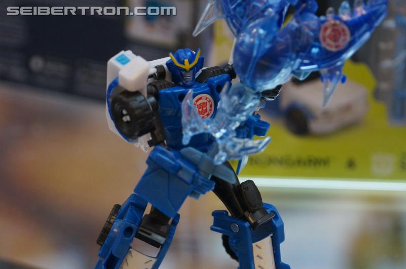 r_robots-in-disguise-010.jpg