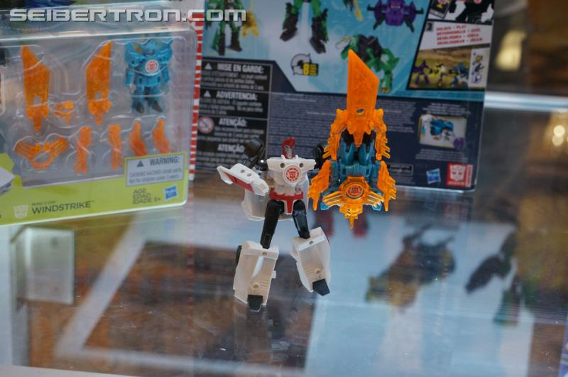 r_robots-in-disguise-035.jpg