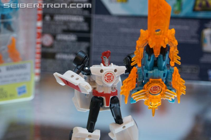 r_robots-in-disguise-036.jpg