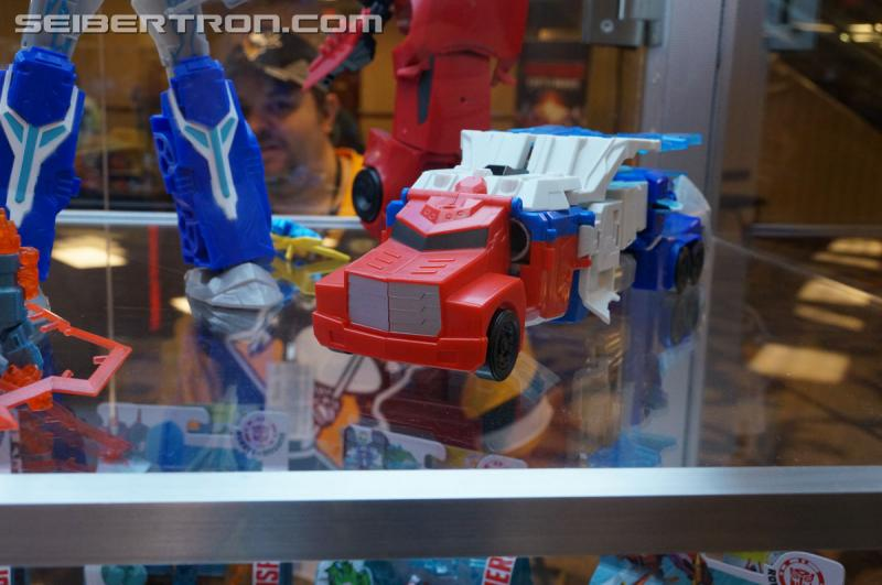 r_robots-in-disguise-067.jpg
